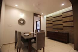 atman and helees flat: asian Dining room by studio 7 designs