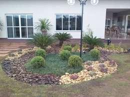 Jardines de estilo topical por Borges Arquitetura & Paisagismo