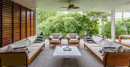 Casa de Veraneio Itu: Salas de estar modernas por Radô Arquitetura e Design