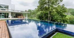 Casa de Veraneio Itu: Piscinas modernas por Radô Arquitetura e Design