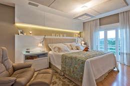 Residência  Vista Alegre  -Curitiba-PR: Quartos  por Karin Brenner Arquitetura e Engenharia