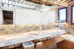 Baños de estilo rústico por TONO BAGNO | Pasión por tu baño