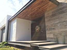 منازل تنفيذ Diez y Nueve Grados Arquitectos