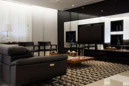 Edifício Solar dos Pinheiros: Salas de estar modernas por Carla Almeida Arquitetura