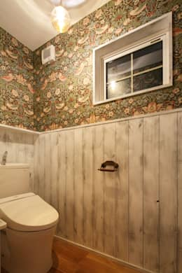 Salle de bains de style  par dwarf