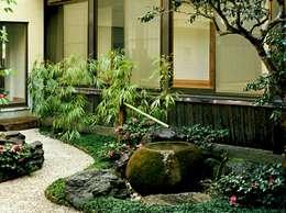 Jardines de estilo asiático por Enatsu Garden Architect / 江夏庭苑事務所