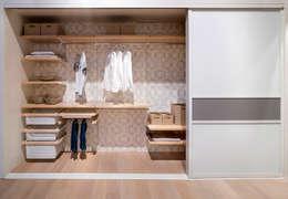 modern Bedroom تنفيذ Pamela Kilcoyne - Homify