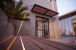 Trabajo para el estudio de Arquitectura LINK Inversiones.: Terrazas de estilo  por Sebastian Alcover - Fotografía
