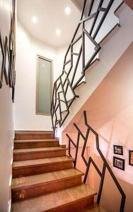 Şölen Üstüner İç mimarlık – RBK evi Lapta/ Girne:  tarz Koridor ve Hol