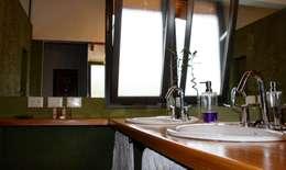 : Baños de estilo clásico por renziravelo