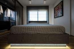 غرفة نوم تنفيذ Laboratorio di Progettazione Claudio Criscione Design