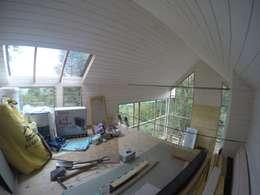 Vista desde altillo: Dormitorios de estilo moderno por Paico