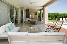 modern Living room by Parrado Arquitectura