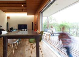 T-house: coil松村一輝建設計事務所が手掛けたベランダです。