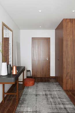 Pasillos y vestíbulos de estilo  por DZINE & CO, Arquitectura e Design de Interiores