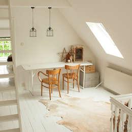 Bureau de style de style Scandinave par Makien Verkroost interior design + styling