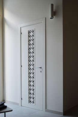 Puertas y ventanas de estilo moderno por Fallacara Stigliano Architetti