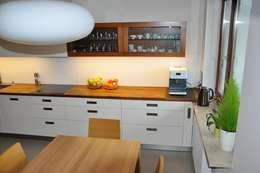 Mieszkanie na Służewcu: styl , w kategorii Kuchnia zaprojektowany przez BFArchitekt