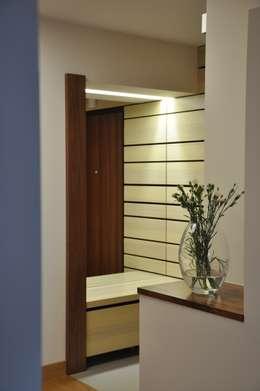 Mieszkanie na Służewcu: styl , w kategorii Korytarz, przedpokój zaprojektowany przez BFArchitekt