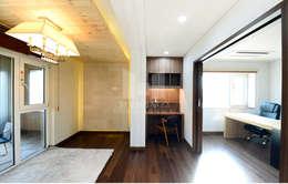 2가지 공간으로 활용할 수 있는 공간: 코원하우스의  서재 & 사무실