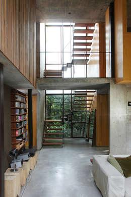 Koridor dan lorong by Arquitecto Alejandro Sticotti