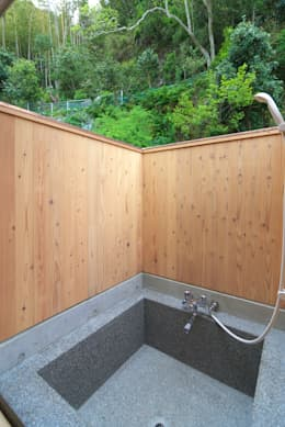 露天風呂: エニシ建築設計事務所が手掛けたスパです。