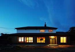 古民家リフォーム: 有限会社 根上建築が手掛けた家です。