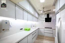 Kitchen 1: modern Kitchen by home makers interior designers & decorators pvt. ltd.