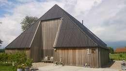 Casas de estilo mediterraneo por Dick de Jong Interieurarchitekt