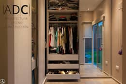 modern Dressing room by ADC - ARQUITECTURA - DISEÑO- CONSTRUCCION