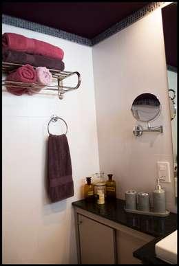 Baño en Suite: Baños de estilo ecléctico por Diseñadora Lucia Casanova