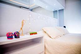 Dormitorios de estilo ecléctico por Studio Bene Arquitetura