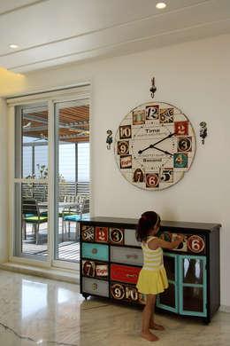 Dormitorios infantiles de estilo moderno por Dipen Gada & Associates