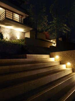 Laura Larrubia Luz e Arquitetura의  주택