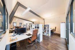 moderne Studeerkamer/kantoor door Helwig Haus und Raum Planungs GmbH