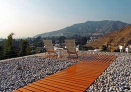 Projekty, nowoczesne Domy zaprojektowane przez 2.8 I NIKOLAS BRICEÑO arquitecto