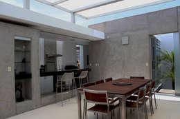 Comedores de estilo moderno por 2.8 I NIKOLAS BRICEÑO arquitecto