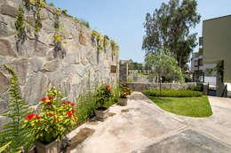 Jardines de estilo moderno por 2.8 I NIKOLAS BRICEÑO arquitecto
