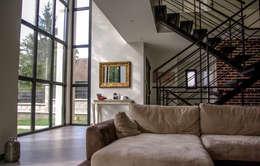Salas de estilo minimalista por Daniel architectes