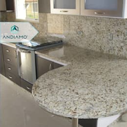 modern Kitchen by ANDIAMO (INVERSORA L&R)