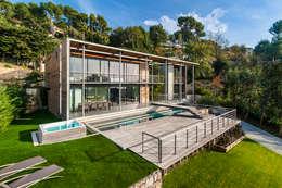 Projekty, nowoczesne Domy zaprojektowane przez didier becchetti architectes