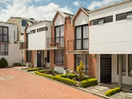 Casa 5: Casas de estilo moderno por Aca de Colombia
