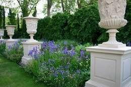 Jardin anglais: Jardin de style de style Rustique par COUP DE POUSSE SUR GARONNE