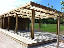 Pergola structure: Jardin de style de style Moderne par greenfrog garden design