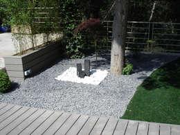 Jardines de estilo moderno por Vert-parc