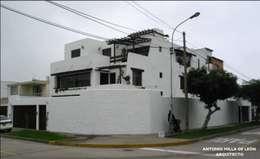 Casas de estilo colonial por Antonio Milla De León Arquitecto