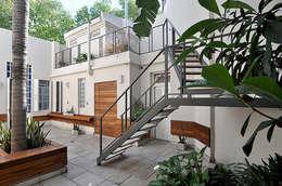 Jadín:  de estilo  por Matealbino arquitectura