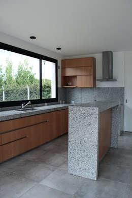 modern Kitchen by Estudio .m