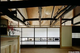 sya 古民家再生: 西本建築事務所 一級建築士事務所が手掛けたダイニングです。
