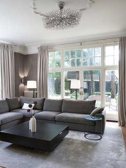 classic Living room by Designa Interieur & Architectuur BNA